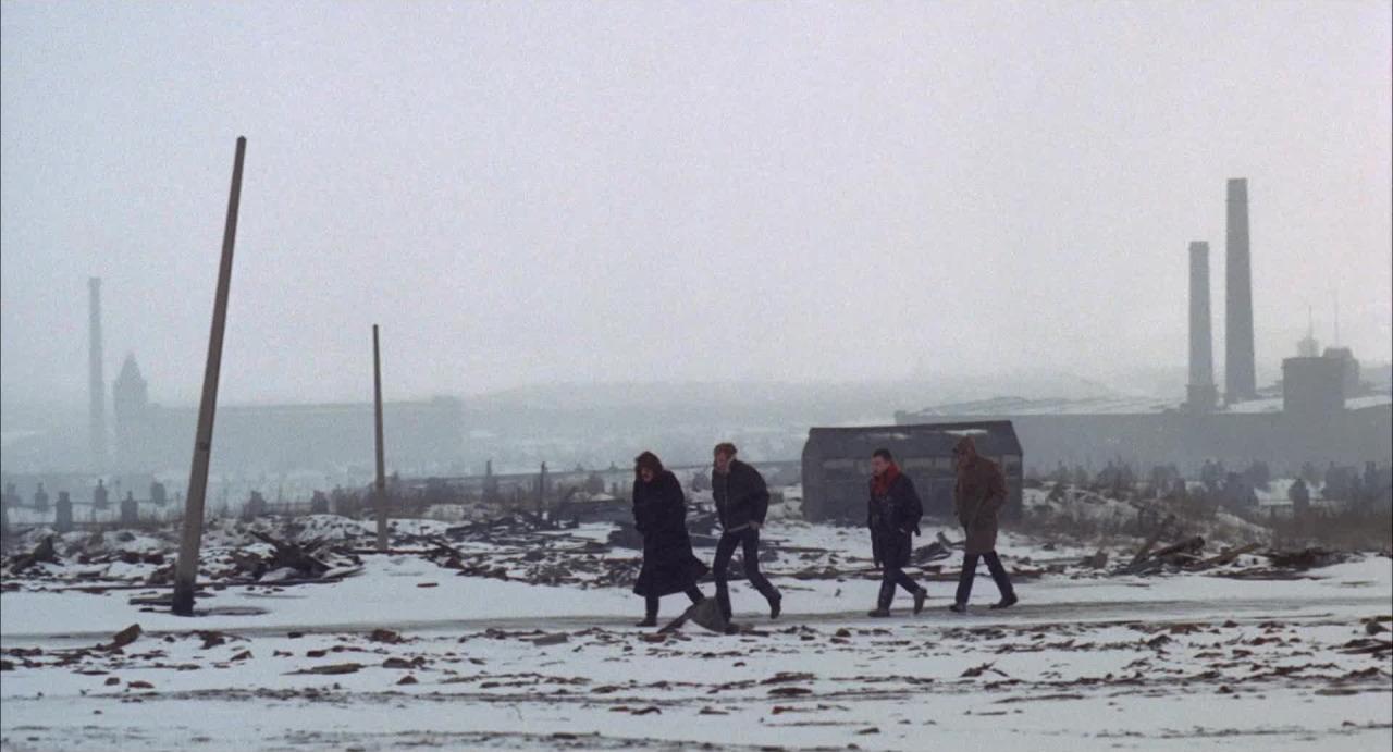 John Hurt, David Warner, John McEnery, and Raymond Platt in Little Malcolm and His Struggle Against the Eunuchs (1974)