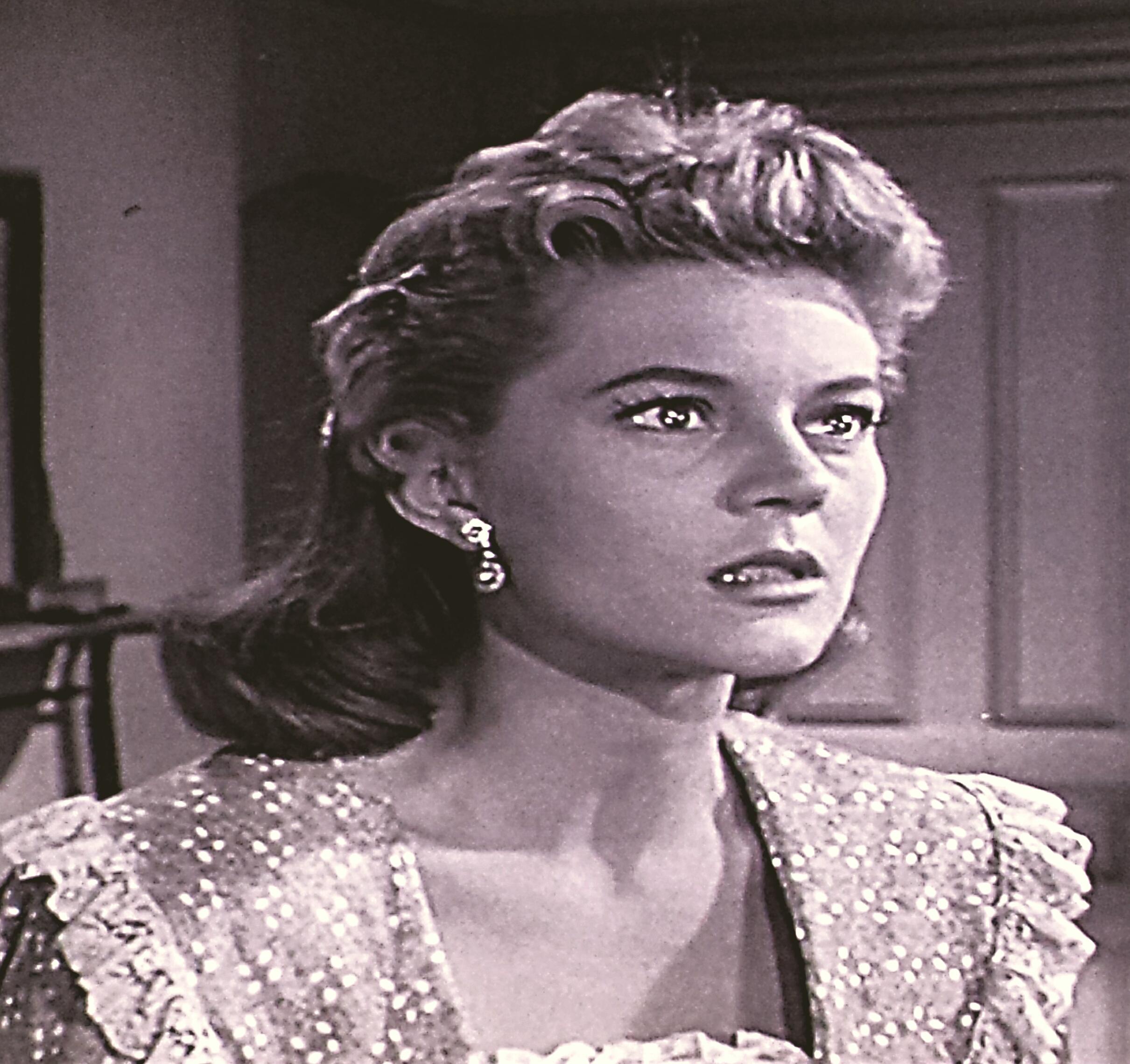 Peggie Castle in Cheyenne (1955)