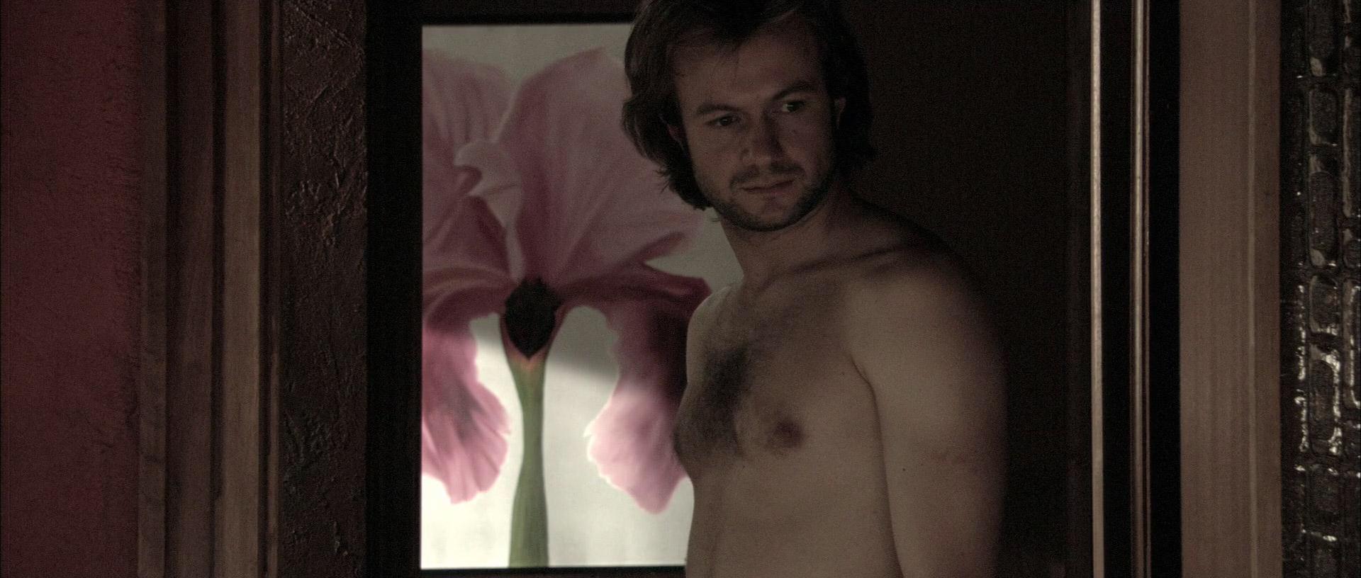Tristan Ulloa Desnudo