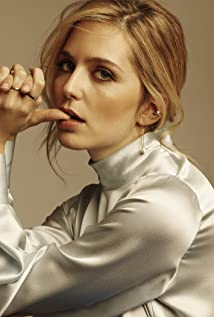 Jessica Rothe Picture