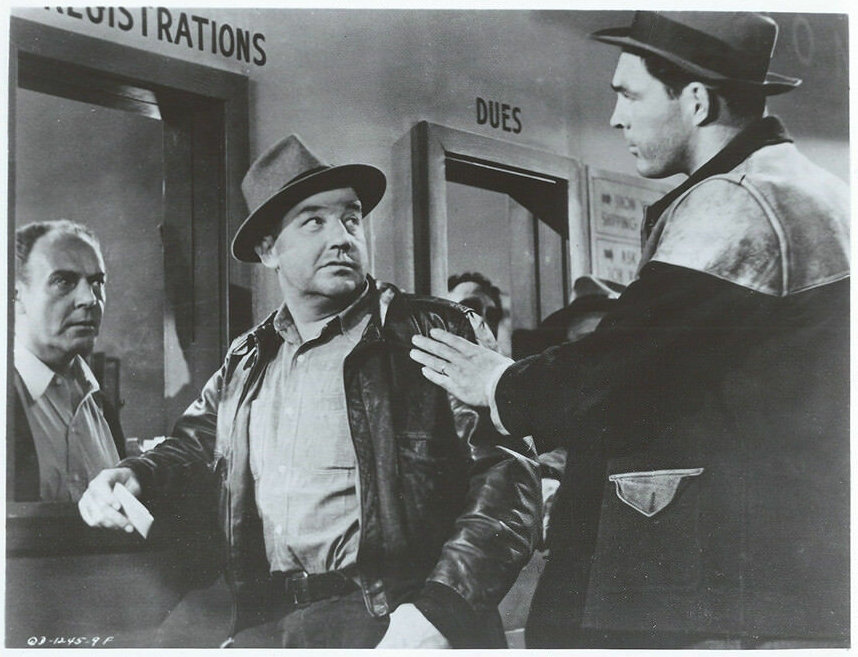 Broderick Crawford and Don Megowan in The Mob (1951)