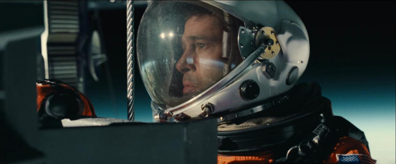 Brad Pitt dalam film Ad Astra.