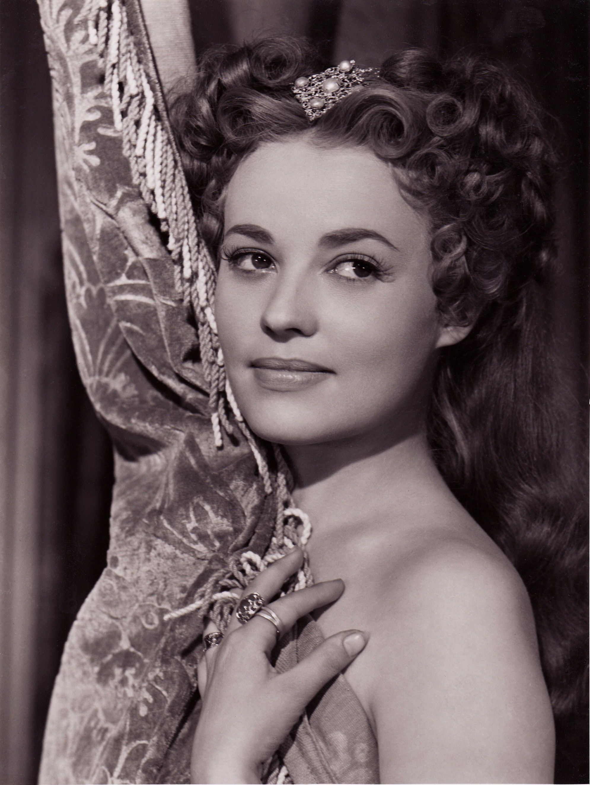 Jeanne Moreau in La reine Margot (1954)