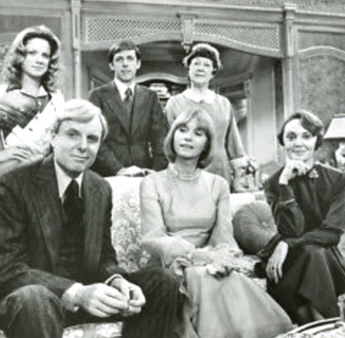 Eva Marie Saint, Gretchen Corbett, Dennis Dugan, John McMartin, Charlotte Moore, and Sara Seegar in The Fatal Weakness (1976)