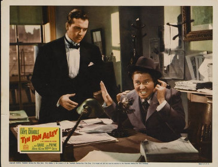 Jack Oakie and John Payne in Tin Pan Alley (1940)