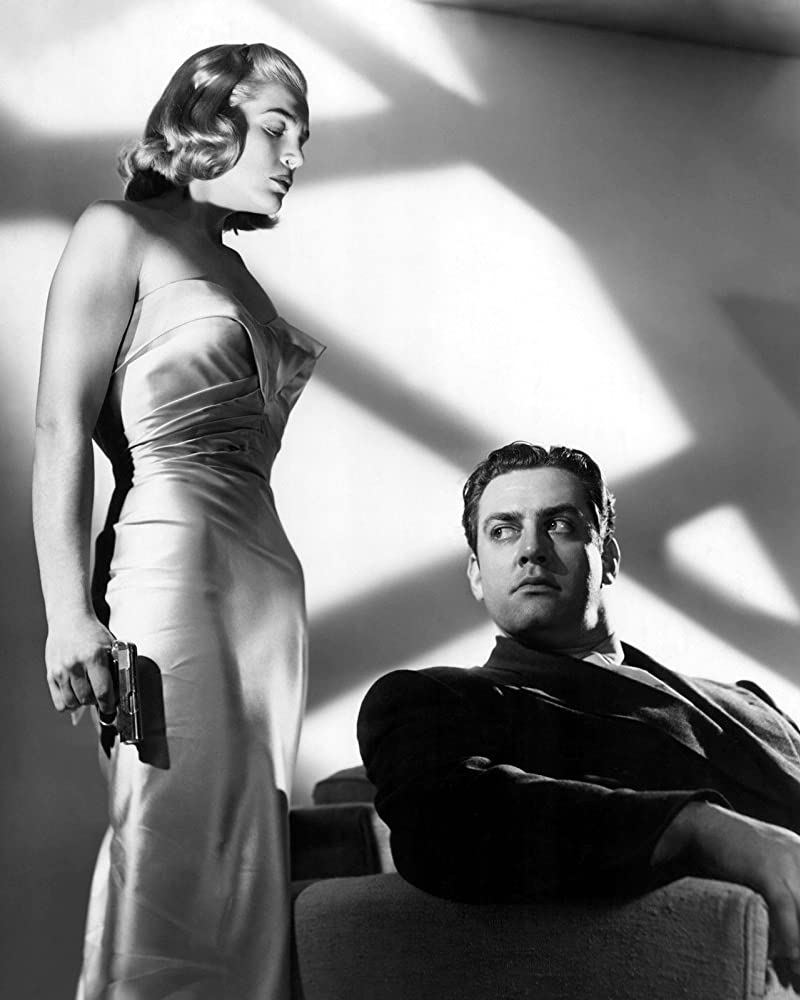 Raymond Burr and Lizabeth Scott in Pitfall (1948)