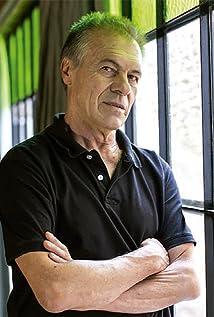 Miguel Ángel Solá Picture