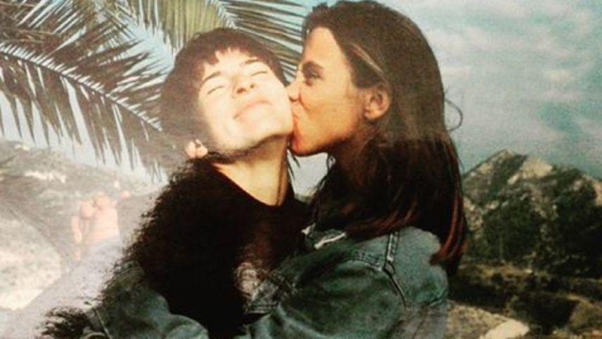 Caroline Catz and Kate Hardie in Under the Sun (1992)