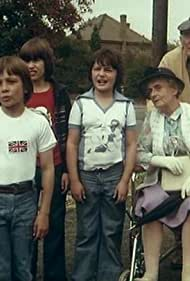 Luke Batchelor, Philip Sadler, Tracy Strand, Wayne Kebell, and Lesley Saunders in The Chiffy Kids (1976)