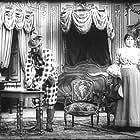 Segundo de Chomón and Julienne Mathieu in El hotel eléctrico (1908)