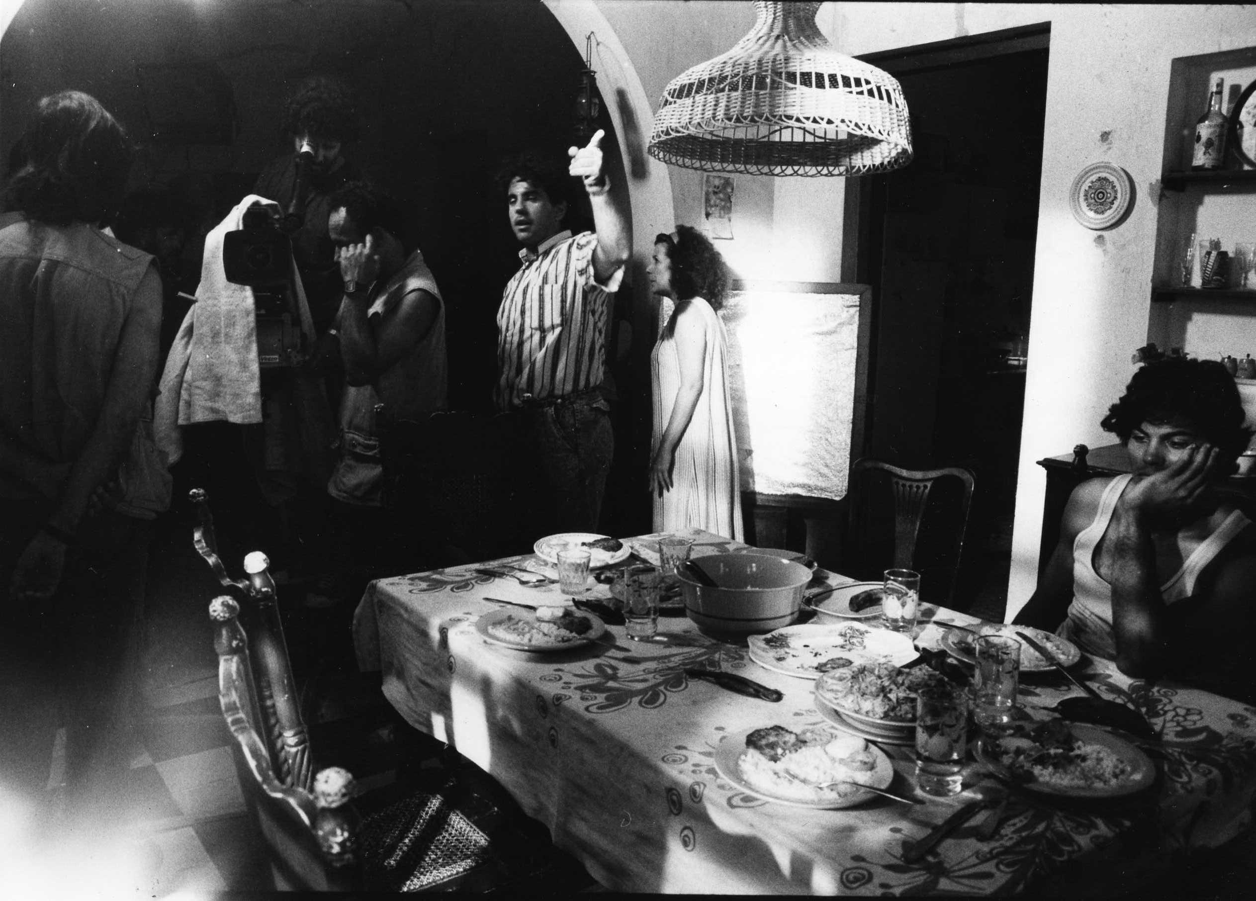 Francisco Gattorno, Coralia Veloz, and Emilio Oscar Alcalde in El Encanto del Regreso (1991)