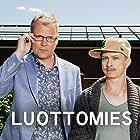 Kari Ketonen and Antti Luusuaniemi in Luottomies (2016)