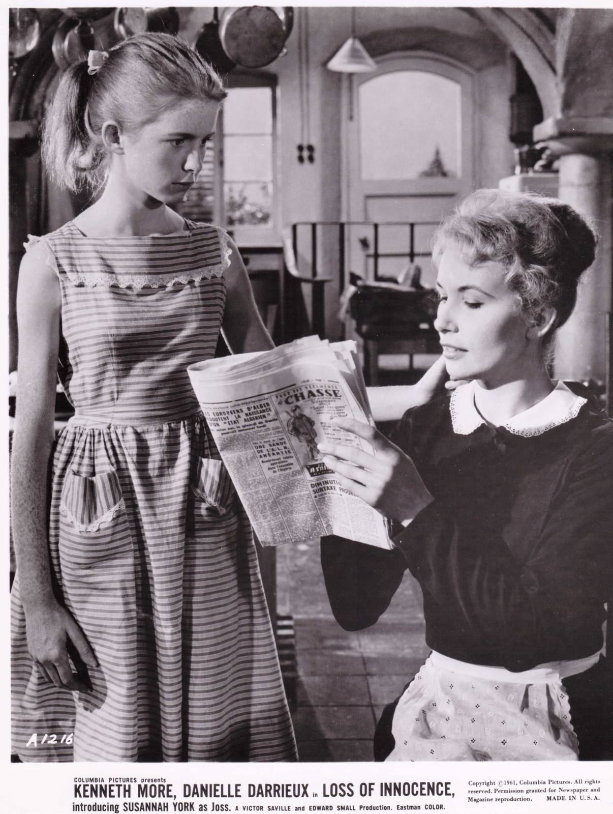 Jane Asher and Balbina in The Greengage Summer (1961)
