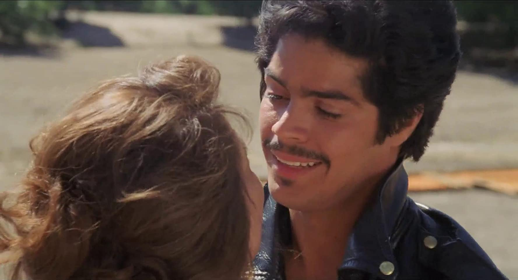 Esai Morales and Rosanna DeSoto in La Bamba (1987)