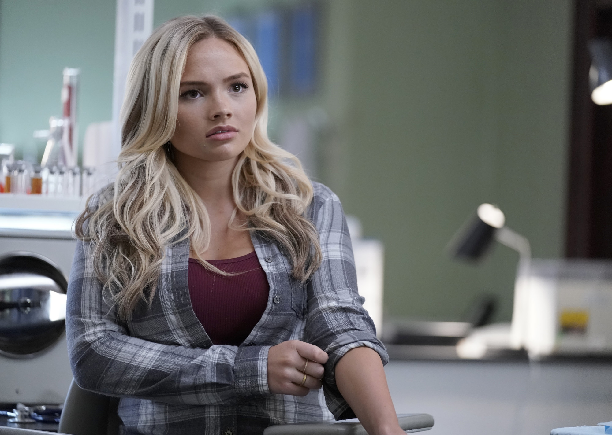 Natalie Alyn Lind in The Gifted (2017)