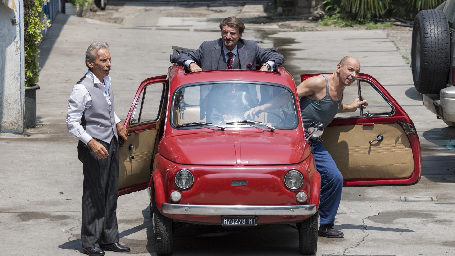 Aldo Baglio, Giacomo Poretti, and Giovanni Storti in Il ricco, il povero e il maggiordomo (2014)