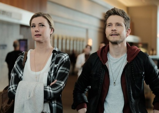 Matt Czuchry and Emily VanCamp in The Resident (2018)
