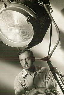 Ernest Laszlo Picture