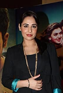 Mandy Takhar Picture