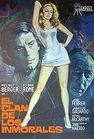 Helmut Berger and Sydne Rome in El clan de los inmorales (1975)