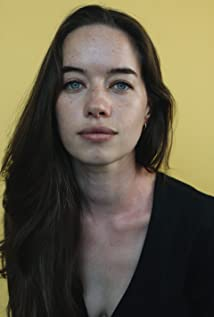 Anna Popplewell Picture
