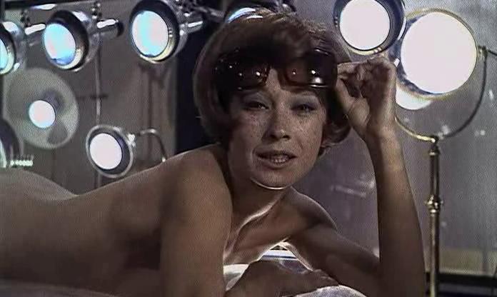 Marlène Jobert in Faut pas prendre les enfants du bon Dieu pour des canards sauvages (1968)