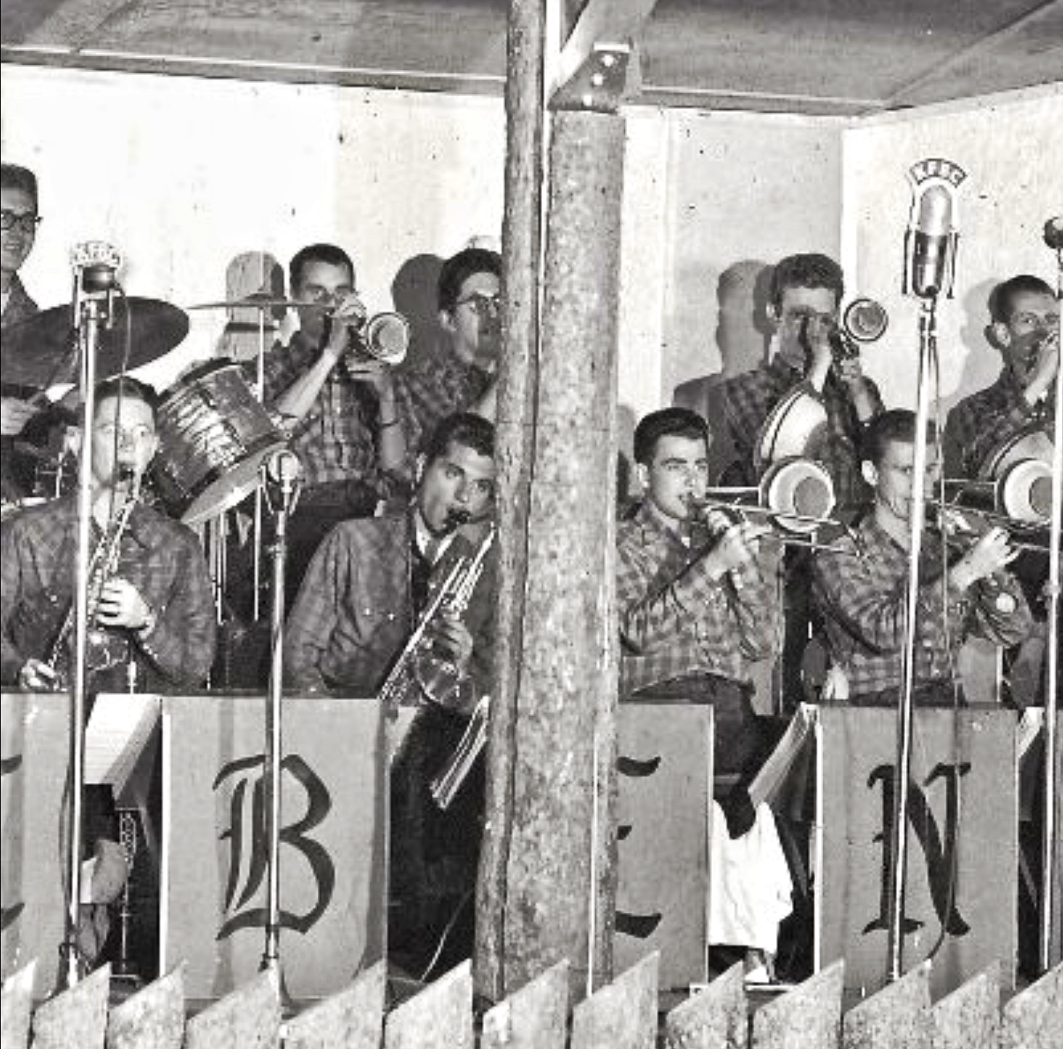 Benny Goodman and His Orchestra, Richard Nash, and Gene Cipriano