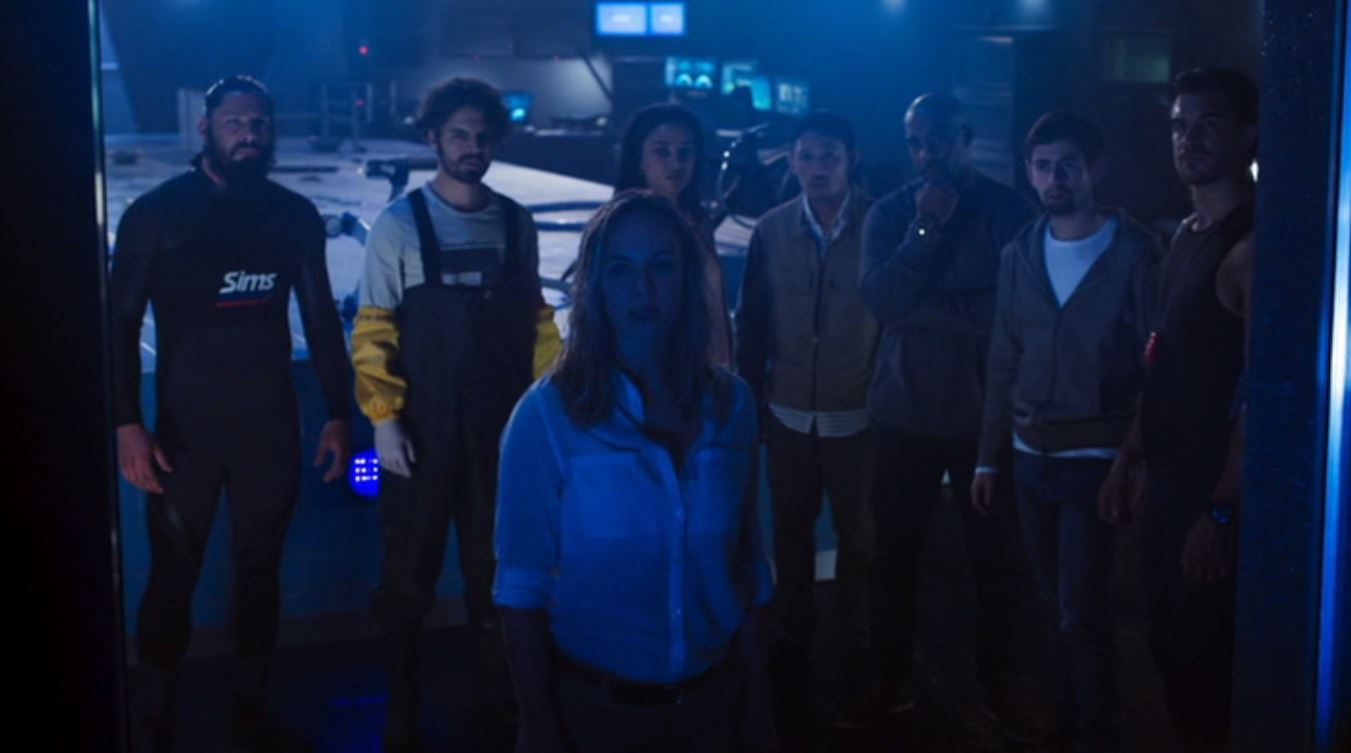 Michael Beach, Danielle Savre, Rob Mayes, Kim Syster, Jeremy Boado, and Nathan Lynn in Deep Blue Sea 2 (2018)