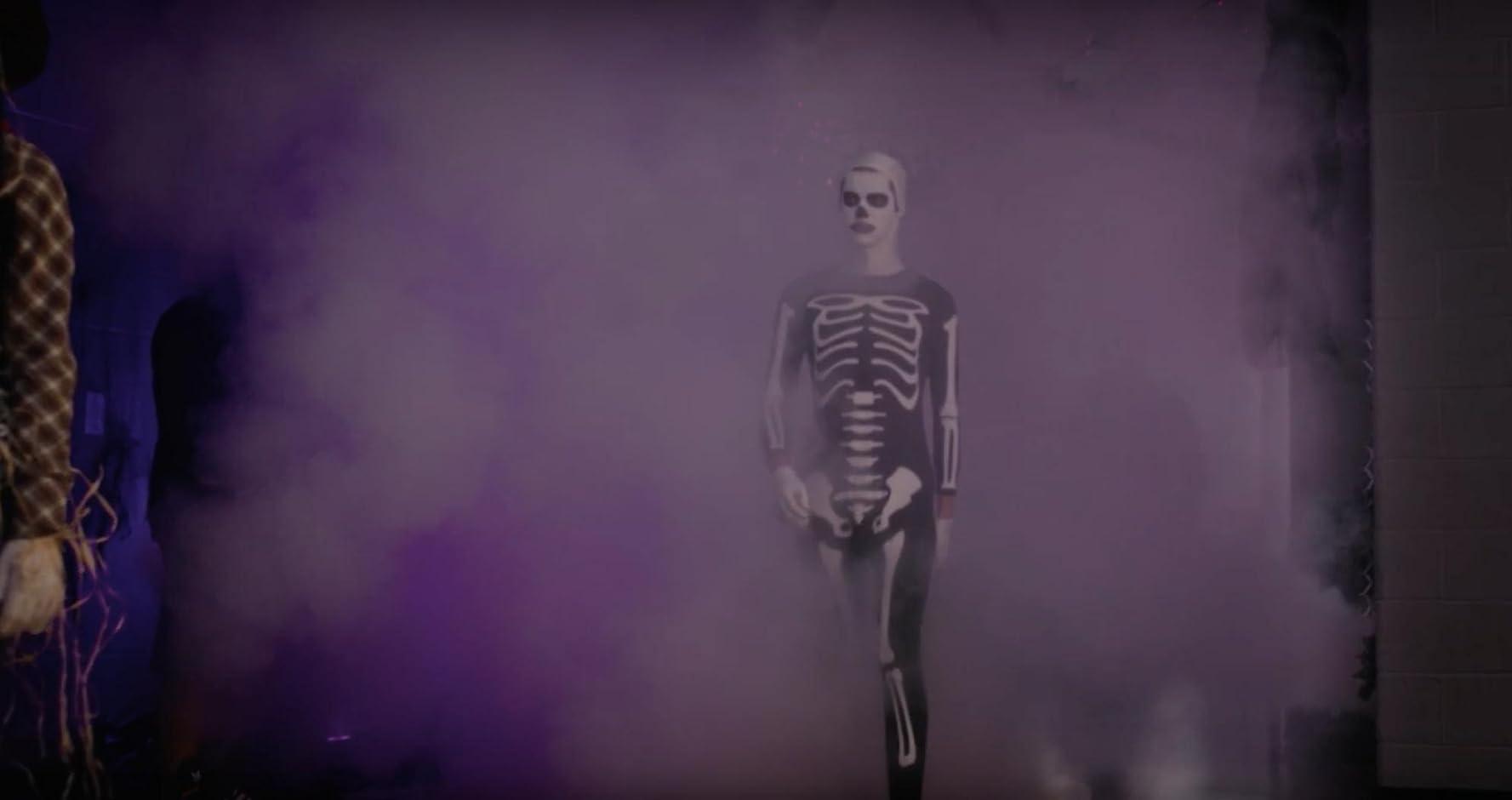 Cobra Kai 1×03 – Esqueleto