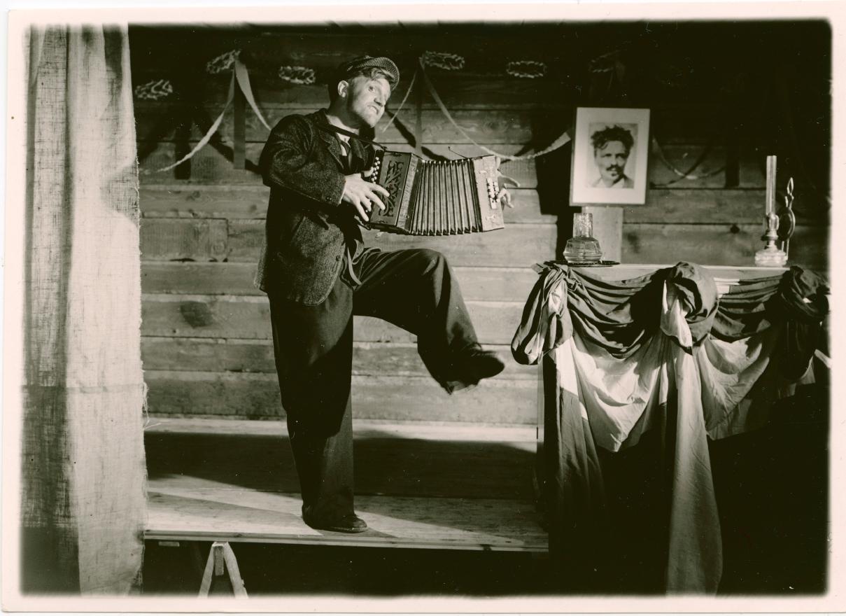 Ragnar Falck in Den blomstertid... (1940)
