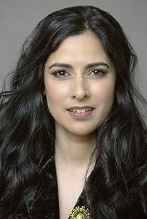 Leah Vandenberg Picture