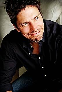 Michael Trucco Picture