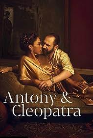 Ralph Fiennes and Sophie Okonedo in Antony & Cleopatra (2018)