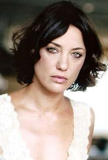 Emma Colberti Picture