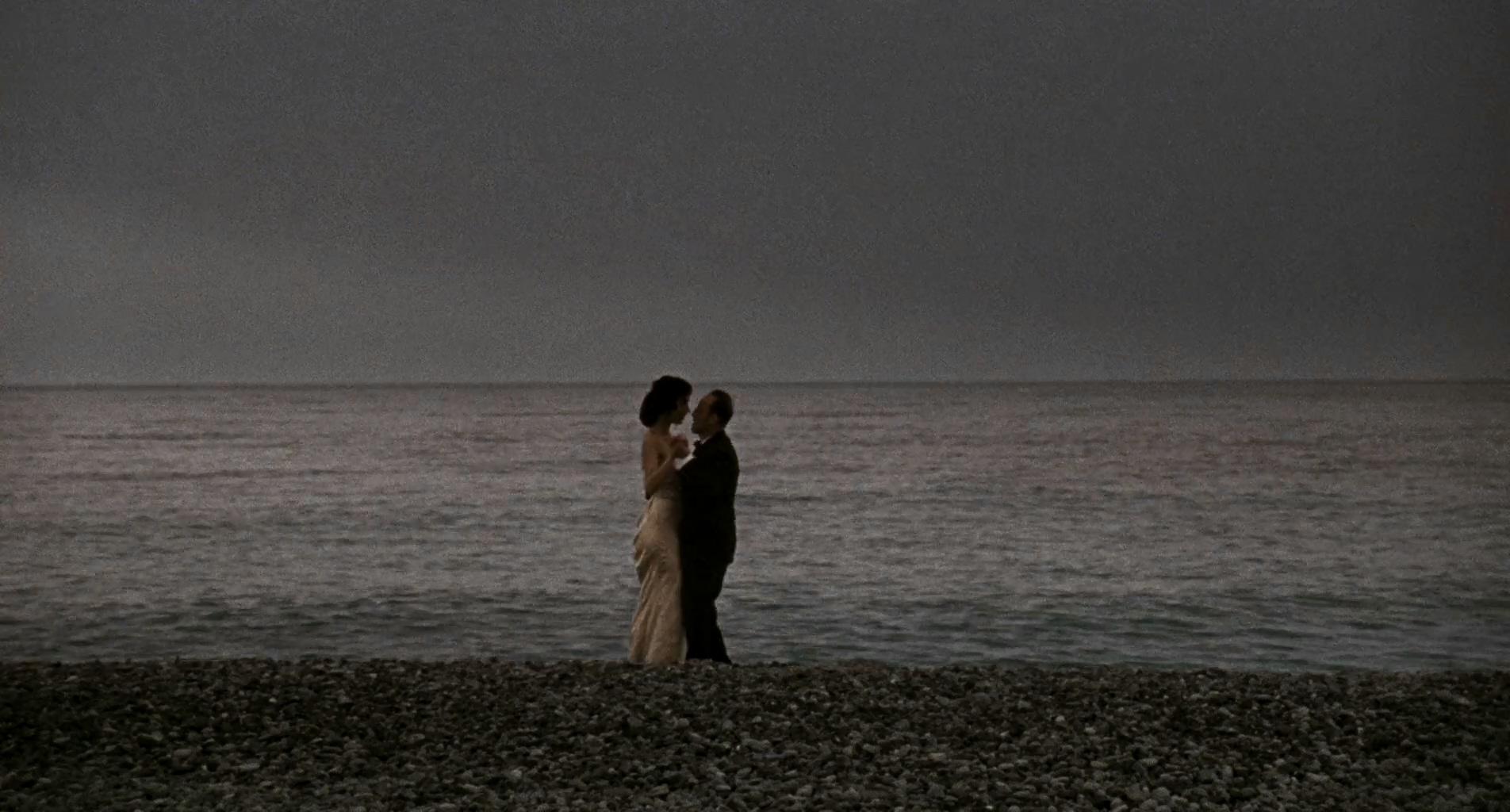 Dolores Chaplin and Karl Markovics in Die Fälscher (2007)