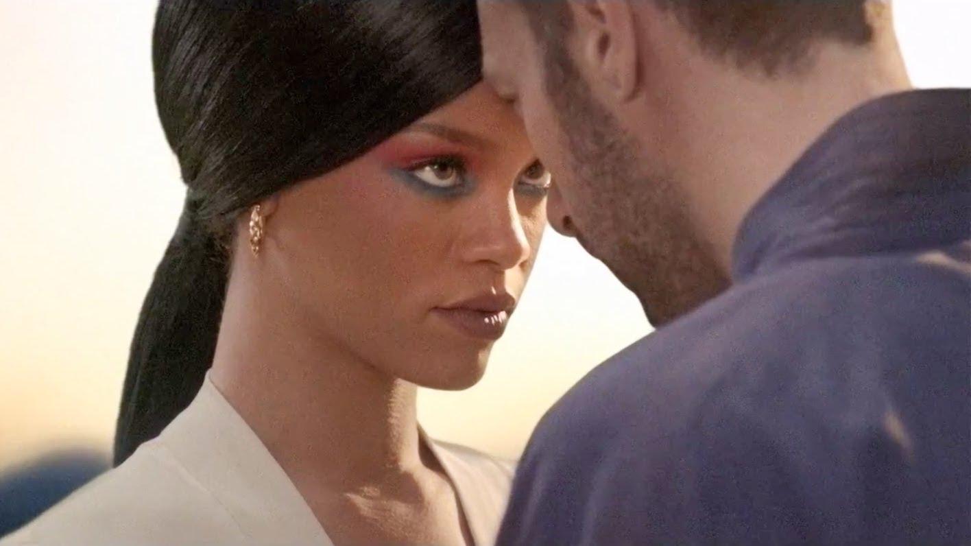 Kuka on Rihanna dating 2012
