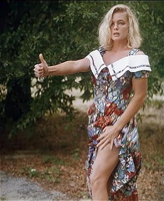 Erika Eleniak in Chasers (1994) | Erika eleniak, Erika, Prison