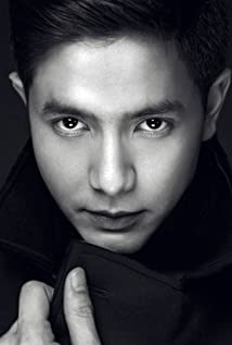 Alden Richards Picture