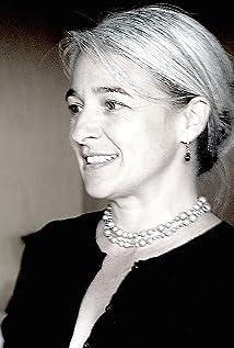 Lara Khachooni Picture