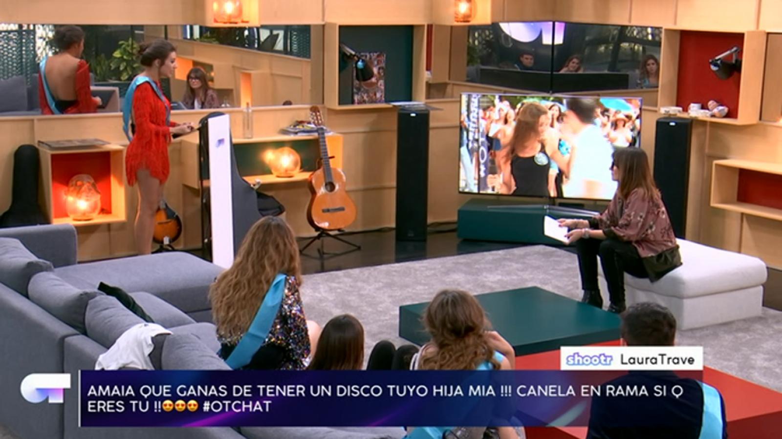 Noemí Galera, Amaia Romero, Miriam Rodríguez, Alfred García, and Aitana in El chat de OT (2017)