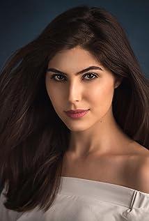 Elnaaz Norouzi Picture