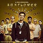 Ashish Vidyarthi, Ashwin Kaushal, Ranvir Shorey, Nerurkar Simran, Sunil Grover, Girish Kulkarni, Shonali Nagrani, and Mukul Chadda in Sunflower (2021)