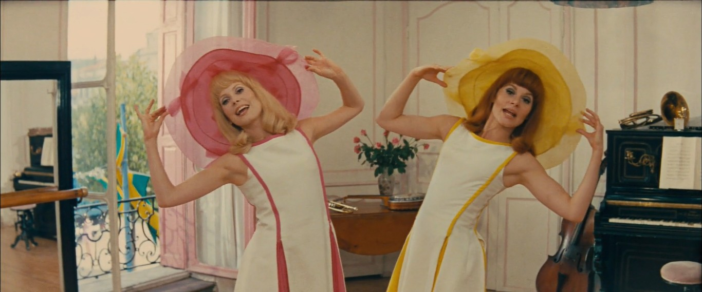Catherine Deneuve and Franoise Dorlac in Les demoiselles de Rochefort 1967