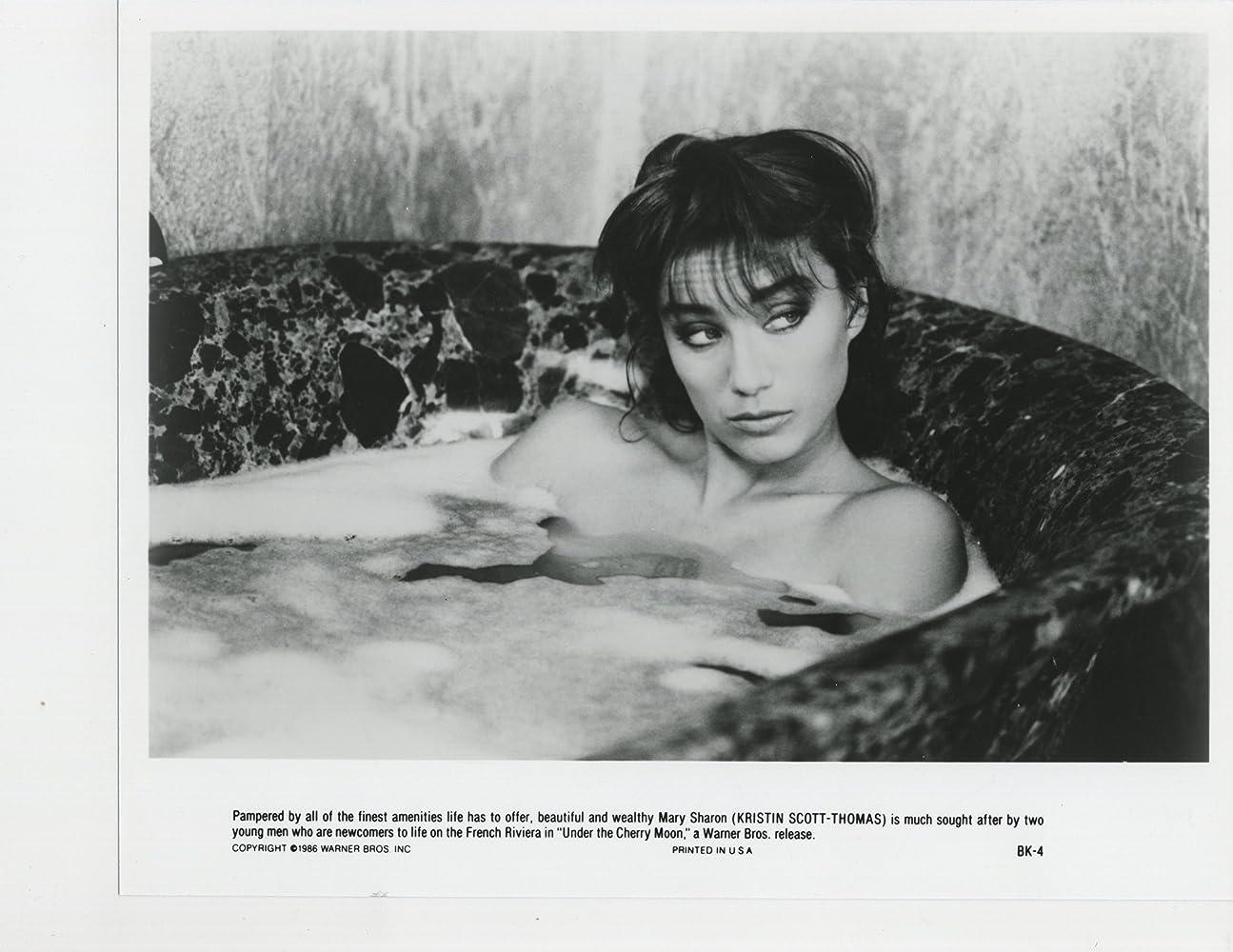 Alexis Ren Sexy Nude Photos 90