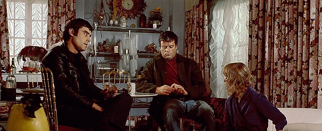 Oliver Reed, Ian McShane, and Jill Townsend in Sitting Target (1972)