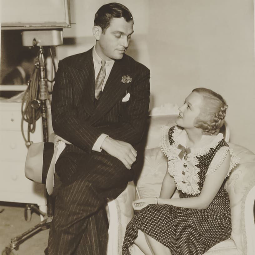 Walter Woolf King and Marian Nixon in Embarrassing Moments (1934)