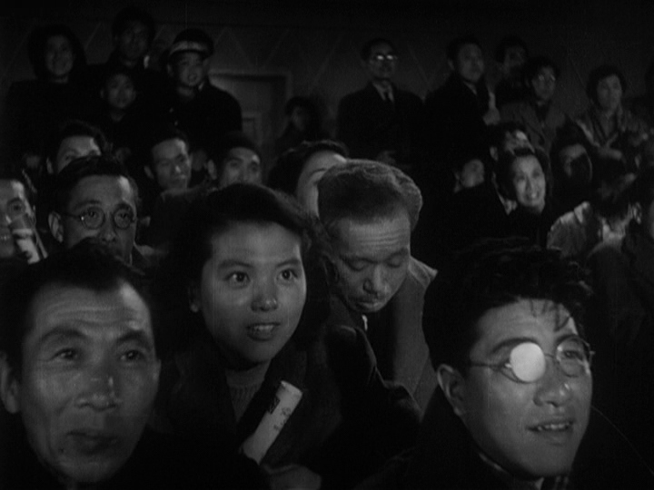 Miki Odagiri and Takashi Shimura in Ikiru (1952)