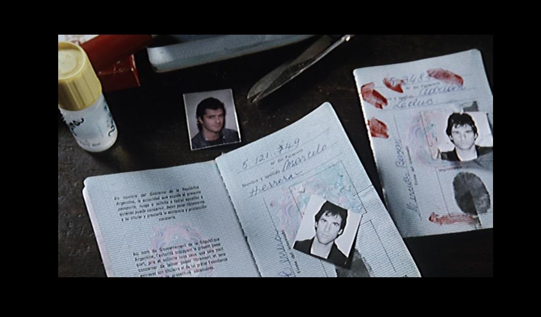 Hart Bochner in Apartment Zero (1988)