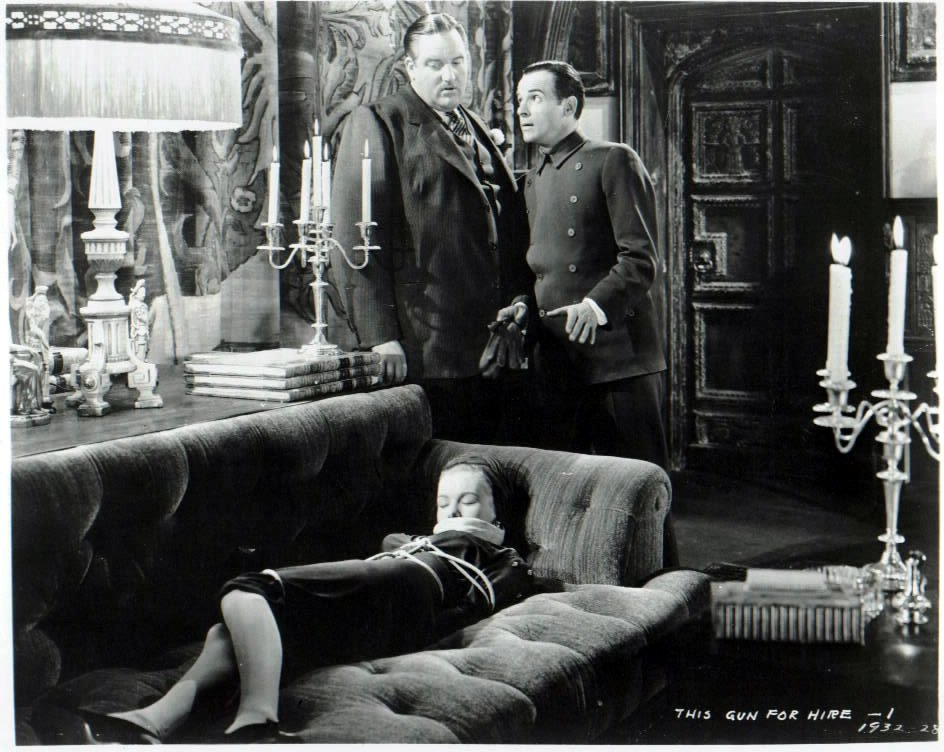 Veronica Lake, Laird Cregar, and Marc Lawrence in This Gun for Hire (1942)