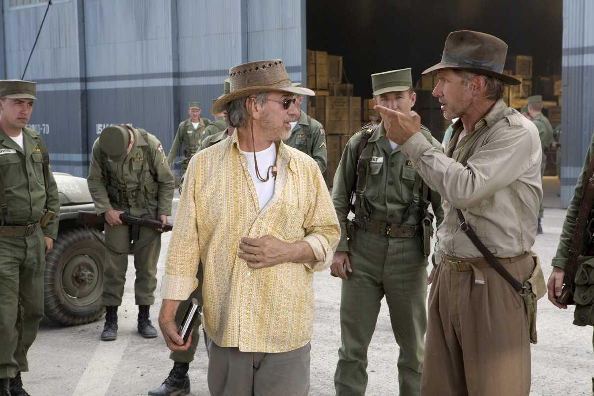 Harrison Ford and Steven Spielberg in Indiana Jones and the Kingdom of the Crystal Skull (2008)